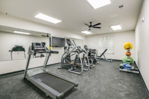 apartment with fitness center kenosha, eva manor apartments, kenosha apartments for rent